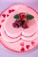 Fondant Hochzeitstorte mit Blumen aus Blütenpaste