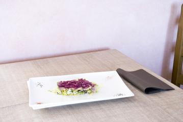 Il piatto sul tavolo