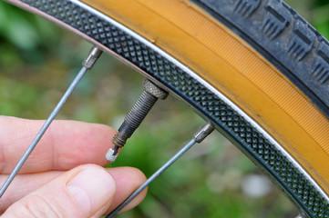 La valve du pneu de vélo