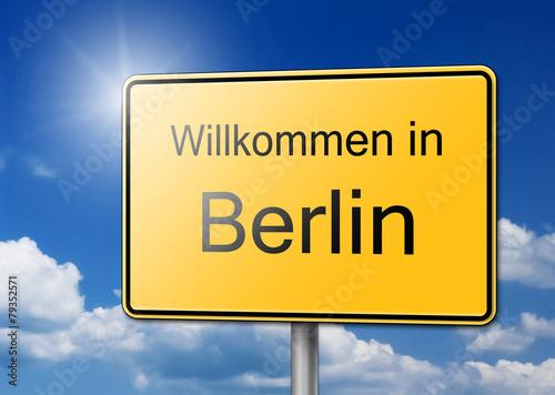 herzlich willkommen in berlin schild hintergrund stockfotos und lizenzfreie bilder auf fotolia. Black Bedroom Furniture Sets. Home Design Ideas