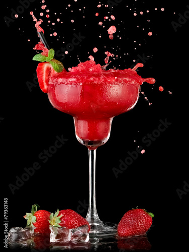 Red strawberry daiquiri cocktail up - 79363148