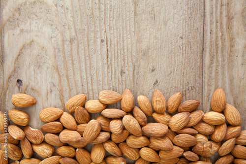 Staande foto Voorgerecht Almonds