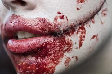 zombie walk détail faux sang