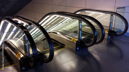 Aluminium Luchthaven Glowing Escalators
