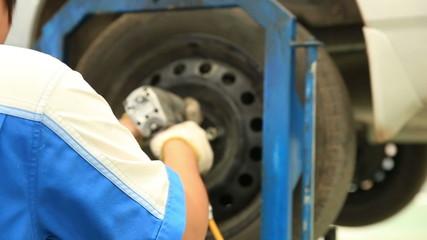 screw car wheel