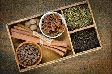 Ingredients for Chai tea in a cigar box