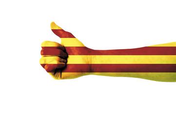 Main avec pouce levé, drapeau catalan