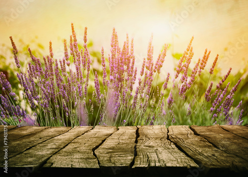Wooden table with lavender - 79431175