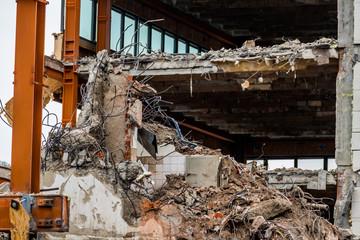 Abbruch eines Bürogebäudes