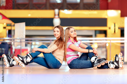 Beautiful girls on the rollerdrome - 79440164