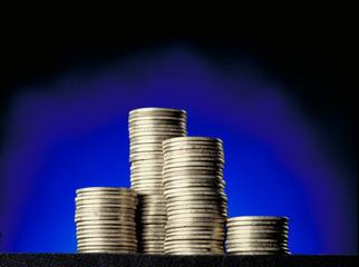 Pila de monedas en torres.Concepto de dinero.