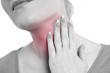 Frau hat Halsschmerzen