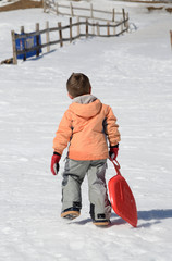 bambino su neve
