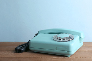 Retro telephone set