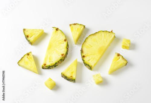 Aluminium Vruchten Fresh pineapple slices and wedges
