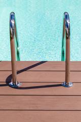 Pool grab bars ladder