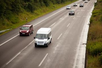 Autobahn nach Regenschauer