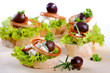 Canapes mit Feta und Oliven