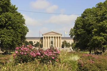 Washington Monument & philadelphia Museum of Art