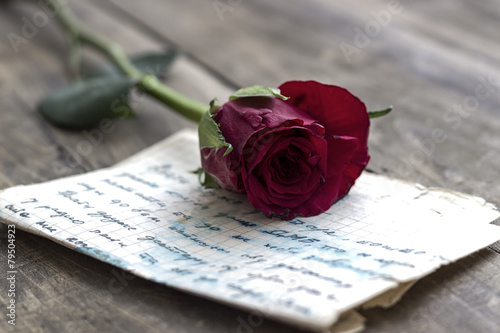Deurstickers Bloemen Love letter and rose