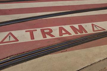 Attention Tram, Marquage au sol