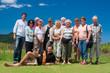 Leinwanddruck Bild - Fröhliche Reisegruppe - jung und alt