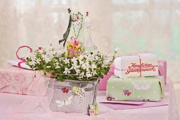 Hochzeits-Geldgeschenk im Blumenstrauß