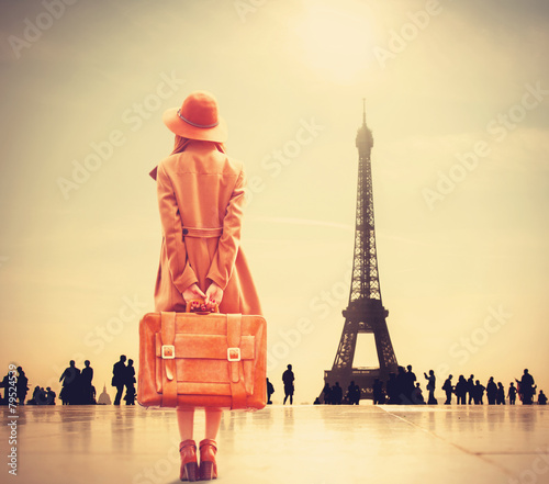 Redhead girl with suitcase - 79524539
