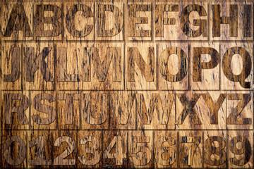 Letras en tablero de madera