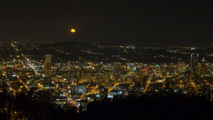 Time Lapse of Moonrise Over of Portland OR and Mount Hood