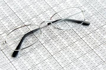 ビジネスイメージ―データと眼鏡