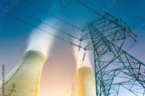 cooling towers at night - 79538582