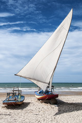 Jangada sulla spiaggia. Fortaleza, Brasile
