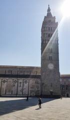 Sole sul campanile