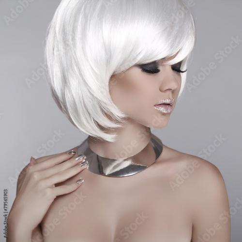 Aluminium Beauty Blond Girl Portrait with Smoky eyes, long eyelashes. Make
