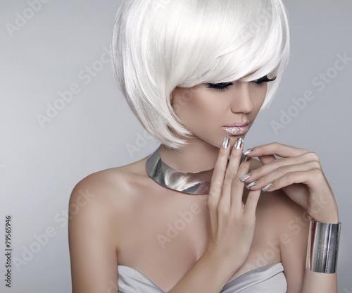 Aluminium White Short Hair. Fashion stylish blond girl model. Haircut. Hai
