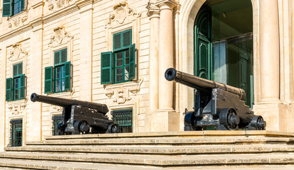 Canons maltais à La Valette, Malte