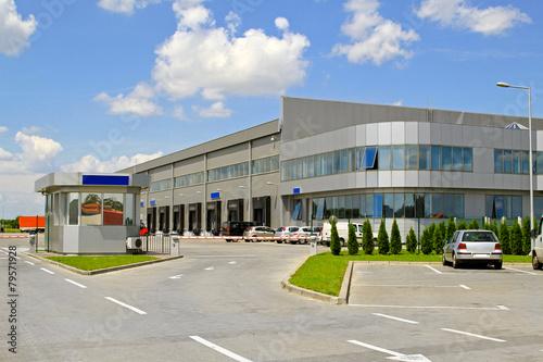 Warehouse entrance - 79571928