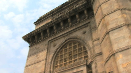 Close up pan on gateway of india