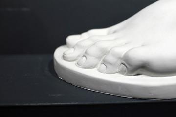 Sculpture foot