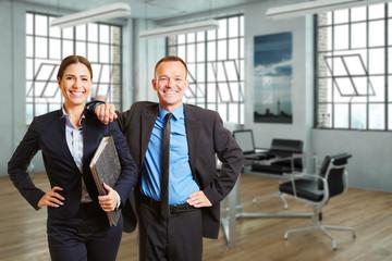 Geschäftsleute in einem modernen Büro