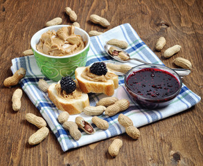 Breakfast with peanut butter, blackberries, and jam