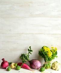 カラフルな根菜と菜の花(菜の花の一種)
