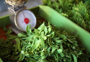 farmers market peas