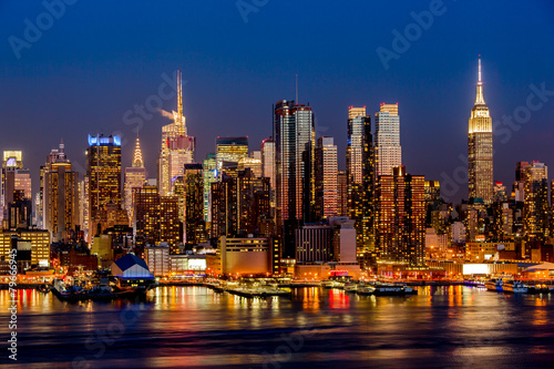 Poster New York City night skyline Manhattan buildings midtown