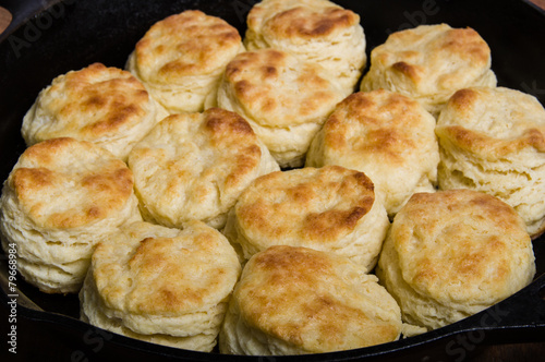 Fotobehang Brood Fresh biscuits baked in a cast iron skillet