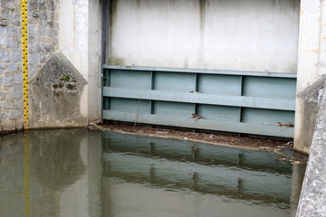 Hochwasserschutz, q.