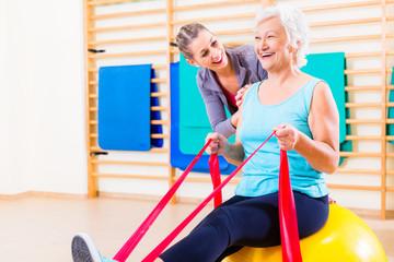 Senior Frau beim Fitness Sport