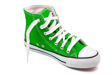 calzado de deporte verde