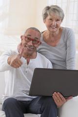 couple senior, informatique